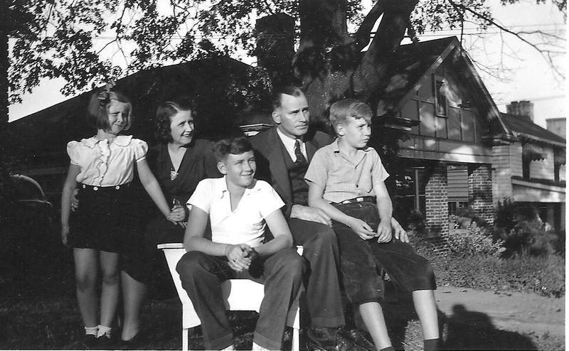 Family early 40s 001